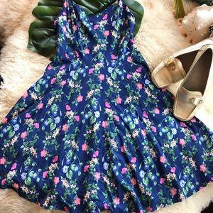 Old navy floral dress ⭐️5 for $25